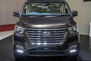 Hyundai ra mắt MPV Grand Starex mới giá từ 782 triệu đồng