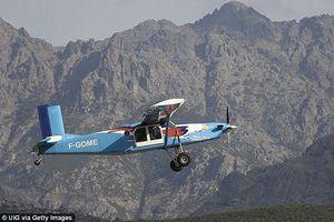 Máy bay chở 9 người mất tích ở vùng núi Indonesia