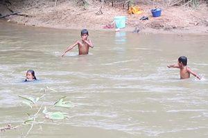 Đi câu cá, 4 học sinh tiểu học đuối nước thương tâm