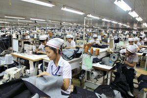 Chính sách mới: Tăng lương cho lao động nữ nghỉ hưu trong giai đoạn 2018 – 2021