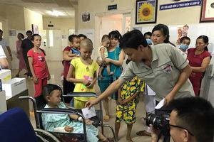 Tai nạn thảm khốc, 13 người chết ở Quảng Nam: Sức khỏe 2 cháu bé giờ ra sao?