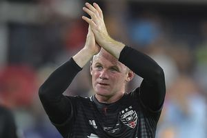 Ghi cú đúp, Rooney trở lại mạnh mẽ trên đất Mỹ
