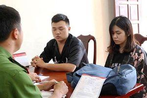 Khởi tố đôi nam nữ đâm nhân viên shop quần áo ở Đắk Lắk