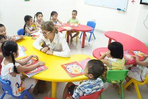 Chơi mà học qua bài làm quen tiếng Anh