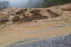 Thanh Hóa: Mưa lớn, nhiều nơi bị cô lập, 1 người chết vì đá sạt lở