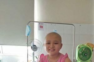 Xót xa hoàn cảnh bé gái mắc ung thư máu quái ác