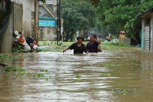 Lũ sông Mã dâng cao, hàng nghìn người dân thành phố Thanh Hóa phải sơ tán