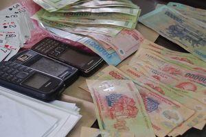 Khởi tố Đội trưởng Thanh tra giao thông vì đánh bạc