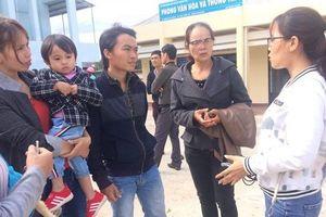 Xót xa 500 giáo viên bị chấm dứt hợp đồng ở Đắk Lắk phải ra đường mưu sinh