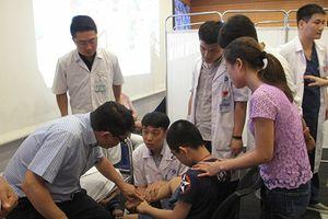 Tổ chức nhân đạo Children Action khám và điều trị khuyết tật cho trẻ tại Bệnh viện Xanh Pôn