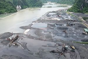 Hàng loạt cảng than mọc trái phép ở Cẩm Phả (Quảng Ninh): Ai bao che cho các ông 'trùm'?