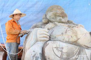 Độc đáo bức tượng Phật Di Lặc 60 tấn, trị giá hơn 2 tỷ đồng ở Nghệ An