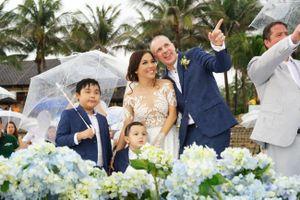 Đám cưới lãng mạn của Lý Thanh Thảo với chồng Tây tại bãi biển Mũi Né