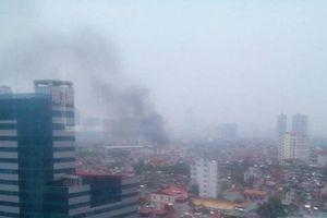 Điều tra nguyên nhân vụ cháy vào giữa trưa ở Hà Nội