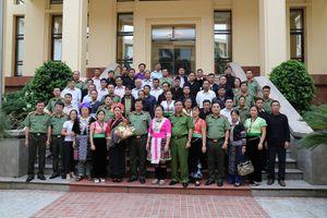 Gặp mặt đoàn đại biểu người uy tín trong dân tộc thiểu số tỉnh Lai Châu