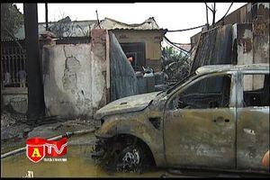 Lực lượng PCCC thông tin về vụ cháy xưởng sơn và chế biến gỗ tại Đại lộ Thăng Long