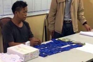 Lái xe rơ moóc, thủ súng để vận chuyển ma túy ở Lóng Luông
