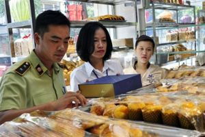 Hà Nội: Công bố đường dây nóng 'tố' vi phạm ATTP Tết Trung thu