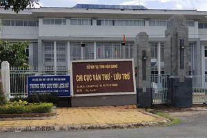 4 cán bộ Chi cục văn thư - Lưu trữ và Trung tâm lưu trữ bị bắt tạm giam