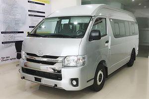 Chi tiết xe Toyota Hiace mới giá 999 triệu tại Việt Nam