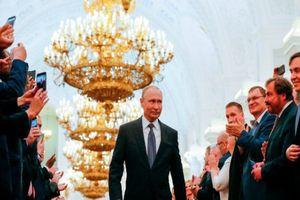Cách ông Putin 'vững tay lái' đưa Nga vượt qua đòn trừng phạt của Mỹ