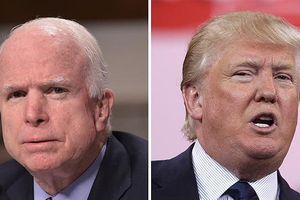 Vì sao ông Trump lại vắng bóng trong đám tang Thượng nghị sĩ John McCain?