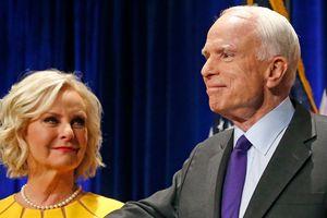 Thượng nghị sĩ John McCain sở hữu khối tài sản 200 triệu USD