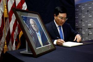 Lễ tưởng niệm Thượng nghị sĩ Hoa Kỳ John McCain ở Việt Nam