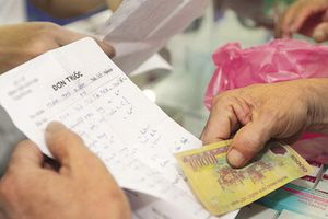 Bỏ quy định cha mẹ phải khai số chứng minh thư trên đơn thuốc của trẻ