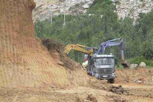 Bình Định: Báo động tình trạng khai thác đất trái phép tại chân Núi Bà