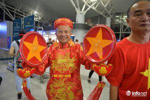 CĐV mang vung nồi sang Indonesia cổ vũ Olympic Việt Nam trận bán kết