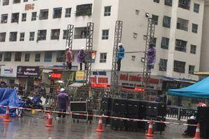 Chung cư vạn dân ở Hà Nội thuê màn hình LED cỡ lớn cổ vũ Olympic Việt Nam đá bán kết ASIAD