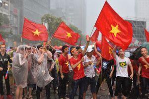 Đây là lý do người hâm mộ vẫn thích 'đi bão' ngay cả khi Olympic Việt Nam thua trận