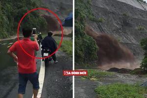Hòa Bình: Nước lũ ào ào đổ xuống chân dốc, người dân thản nhiên đứng lại quay phim