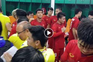 Video thầy Park nói lời gan ruột với học trò trước khi quyết đấu Hàn Quốc