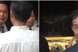 Trú mưa dưới Saigon Times Square bị buổi: Cách ly giàu-nghèo