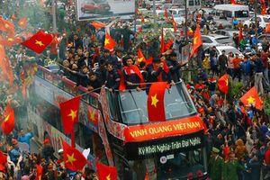 Xem xét dùng xe buýt 2 tầng đón tuyển Olympic Việt Nam