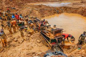 Đột nhập nơi sản xuất vàng lớn thứ 2 châu Phi