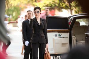 Ngọc Duyên 'chơi trội' mang siêu xe 50 tỉ đồng đi quay quảng cáo