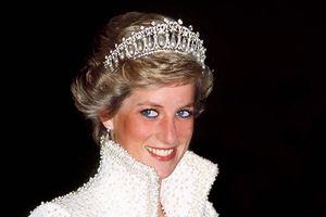 21 năm sau ngày mất, cuộc đời và hôn nhân không tình yêu của Công nương Diana vẫn khiến thế giới nuối tiếc