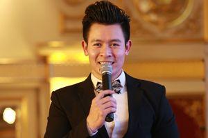 Được phái đẹp yêu mến, MC Lê Thăng nhận mình 'lãi to' từ nghề