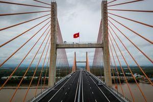 Ngắm cây cầu 7.000 tỷ kết nối Hạ Long - Hải Phòng trong ngày thông xe