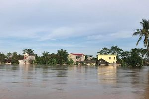 Lũ lụt tại Thanh Hóa khiến 3 người mất tích, nhiều vùng bị cô lập