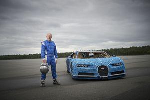 Siêu xe đồ chơi Bugatti Chiron có thể di chuyển 20 km/h