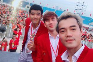 Dàn sao Olympic Việt Nam thi nhau chia sẻ hình ảnh 'Tự hào Việt Nam'