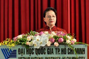 Chủ tịch Quốc hội: 'Tự chủ đại học không phải thả nổi chất lượng'