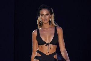 Vóc dáng sexy của siêu mẫu áo tắm hàng đầu thế giới