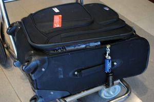 Vụ VietJet bị khách hàng tố làm hư hại hành lý : Nạn nhân sẽ đưa VietJet Air ra tòa?