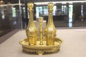 Độc đáo triển lãm 'Rồng- phượng trên bảo vật triều Nguyễn'