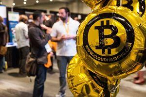 Bạn đã lỗ bao nhiêu nếu mua bitcoin, ethereum ngay đỉnh bong bóng?